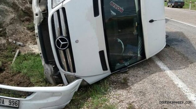 Yolcu Münübüsü Kaza Yaptı
